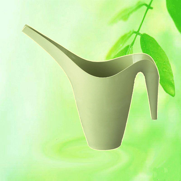 Plastic gardening tool watering can flower watering can china for Gardening tools watering